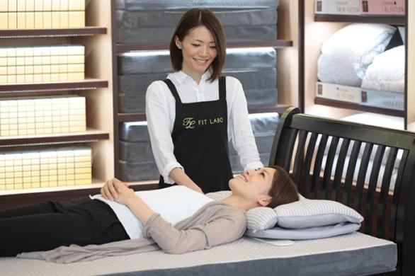 お客様の良い寝姿勢に合う枕をお作りします。