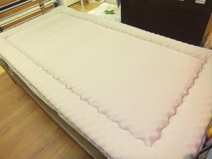 マットレス寝比べ・・・愛知県岡崎市のお客様 オーダーメイド枕専門店